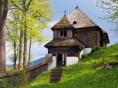 Vzácny kostol v obci Leštiny na Slovensku