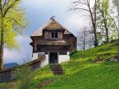 Vzácny kostol v obci Leštiny na Orave