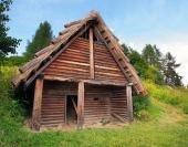 Keltské zrubové obydlie v archeoskanzene Havránok