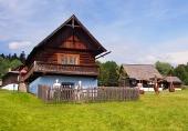Tradičný drevený dom v Starej Ľubovni