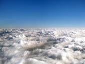 Nekonečné more oblakov