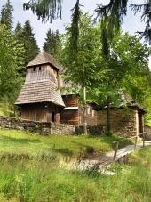 Vzácny drevený kostol