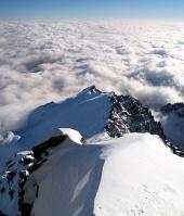Pohľad z Lomnického štítu na Lomnické sedlo