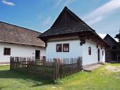 Vzácne drevené ľudové domy v skanzene Pribylina