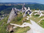 Pohľad z hradu Čachtice