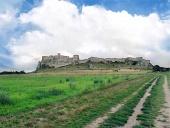 Poľná cesta k Spišskému hradu počas leta