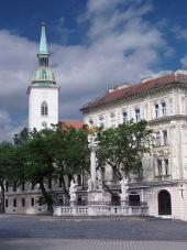 Morový stĺp a katedrála v Bratislave