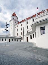 Hlavné nádvorie Bratislavského hradu, Slovensko