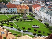 Letecký pohľad na mesto Kremnica v lete