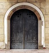 Masívne historické dvere