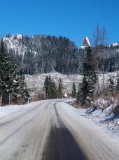 Zimná cesta do Vysokých Tatier v smere zo Štrby