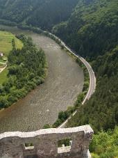 Pohľad z hradu Strečno