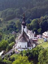 Špania Dolina a kostol Premenenia Pána