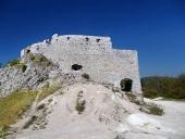 Masívne opevnenie hradu Čachtice
