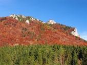 Skalnaté formácie vo Vrátnej doline počas jesene