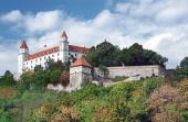 Bratislavský hrad na kopci nad Starým Mestom