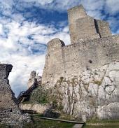 Veža hradu Beckov