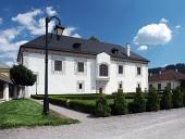 Vzácny svadobný palác v meste Bytča na Slovensku