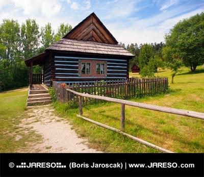Vzácny ľudový dom v skanzene Stará Ľubovňa