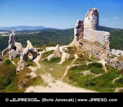 Ruiny Čachtického hradu