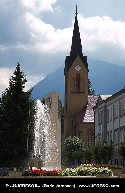 Kostol a fontána