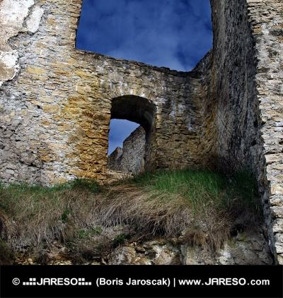 Dramatické ruiny Likavského hradu