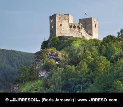 Zrúcanina hradu Strečno tesne pred západom slnka