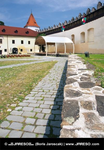 Nádvorie hradu Kežmarok, Slovensko