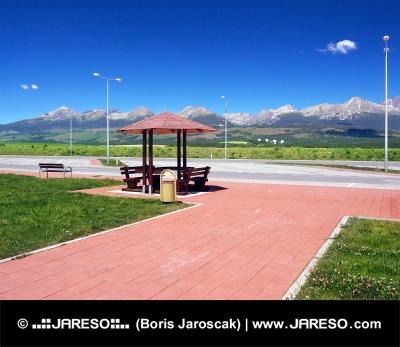 Odpočívadlo a Vysoké Tatry v lete