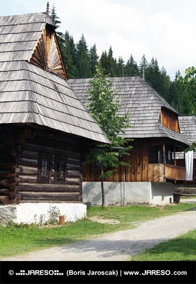 Ľudové domy v múzeu Zuberec