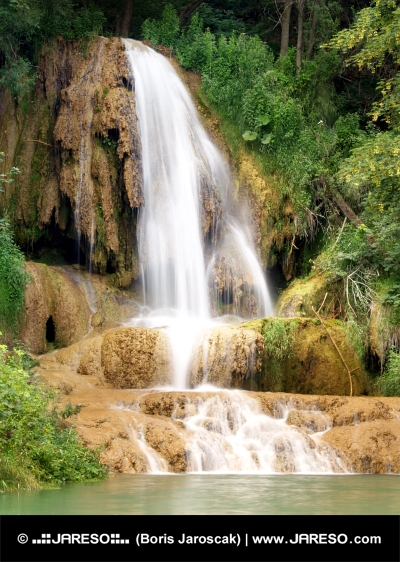 Mohutný vodopád v obci Lúčky