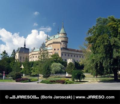 Romantický Bojnický zámok, Slovensko