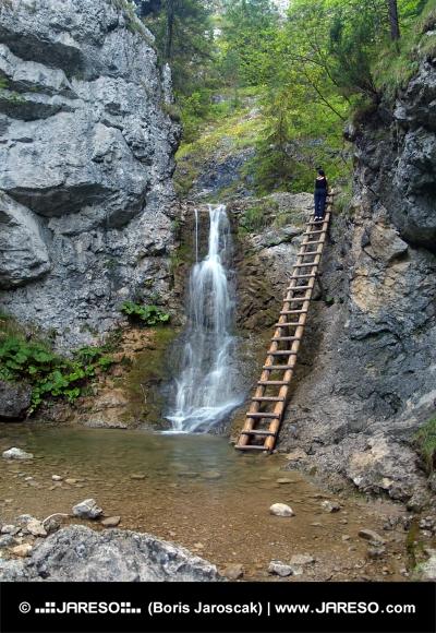 Vodopád a rebrík v Kvačianskej doline