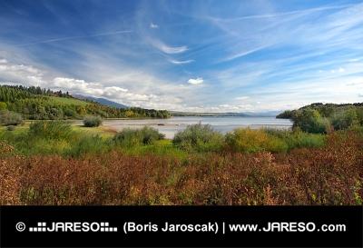 Liptovská Mara v smere od obec Bobrovník