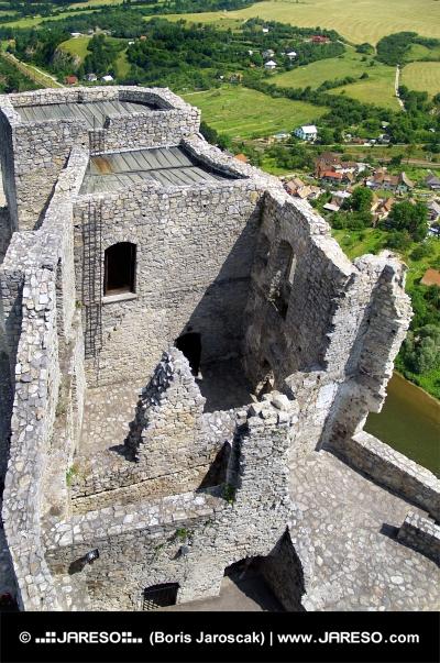 Veža hradu Strečno